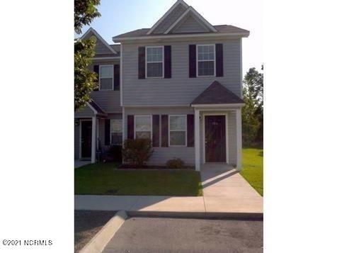 Investor only. Nice 2 bedroom, 2.5 bath townhome in Raymond's Landing. Minutes from the back gate of Camp Lejeune.
