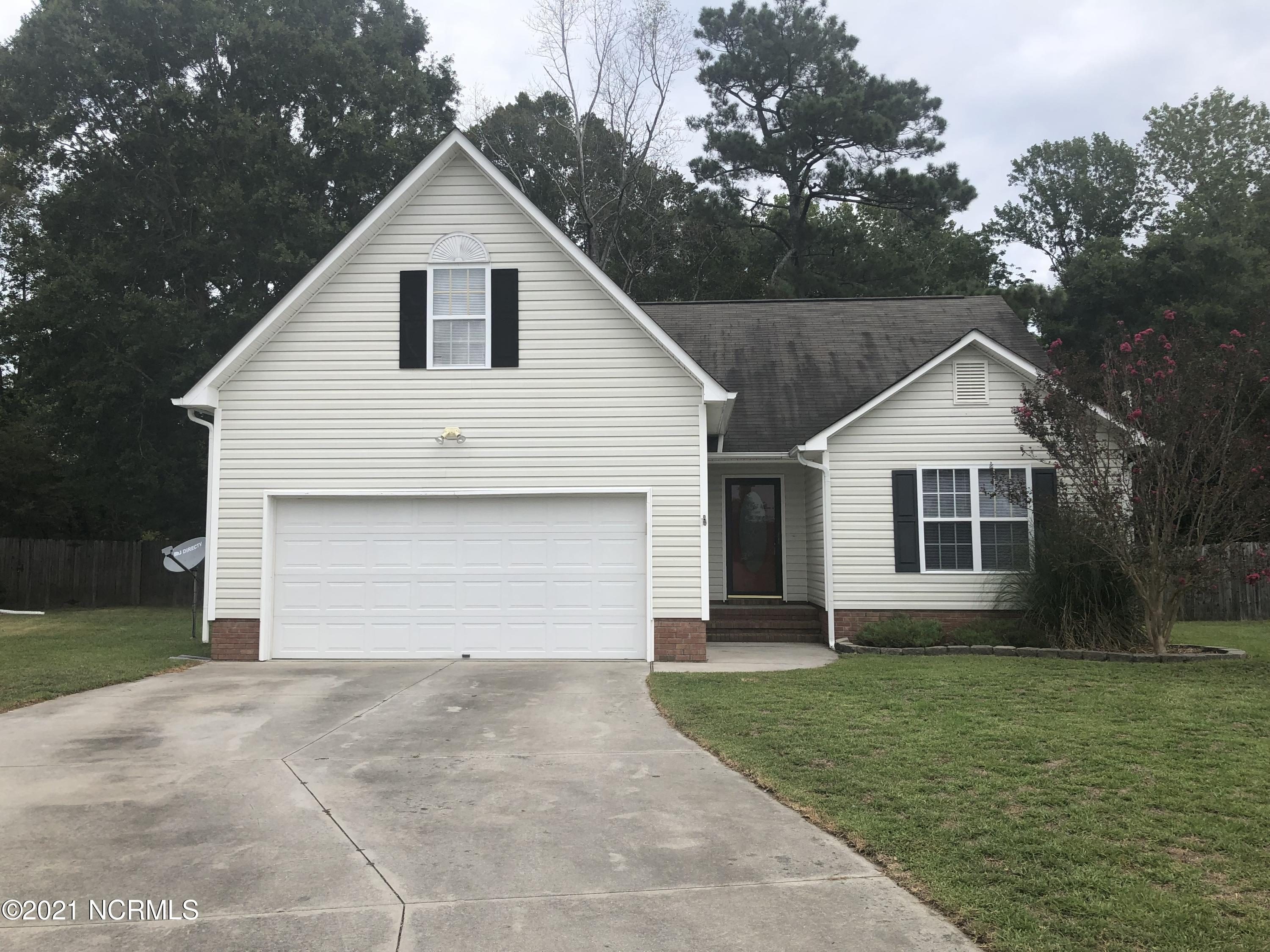 Welcome home to this great 3 Bedroom 2 Bath with Bonus room located in small neighborhood off Gum Branch close to all area shopping and bases. Home is located in a cul-de-sac and has large fenced in yard.You will not be disappointed! Call us today.