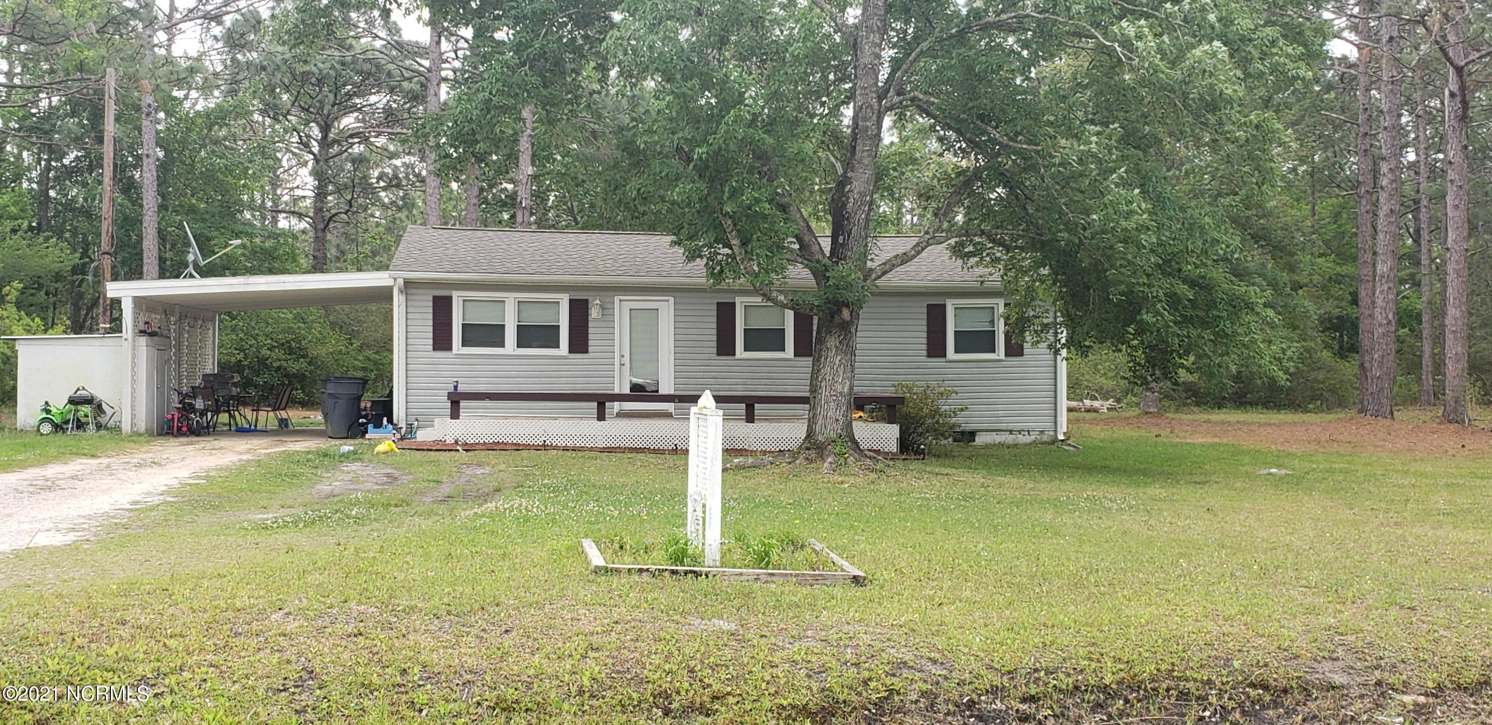 317 W Boiling Spring Road Southport, NC 28461
