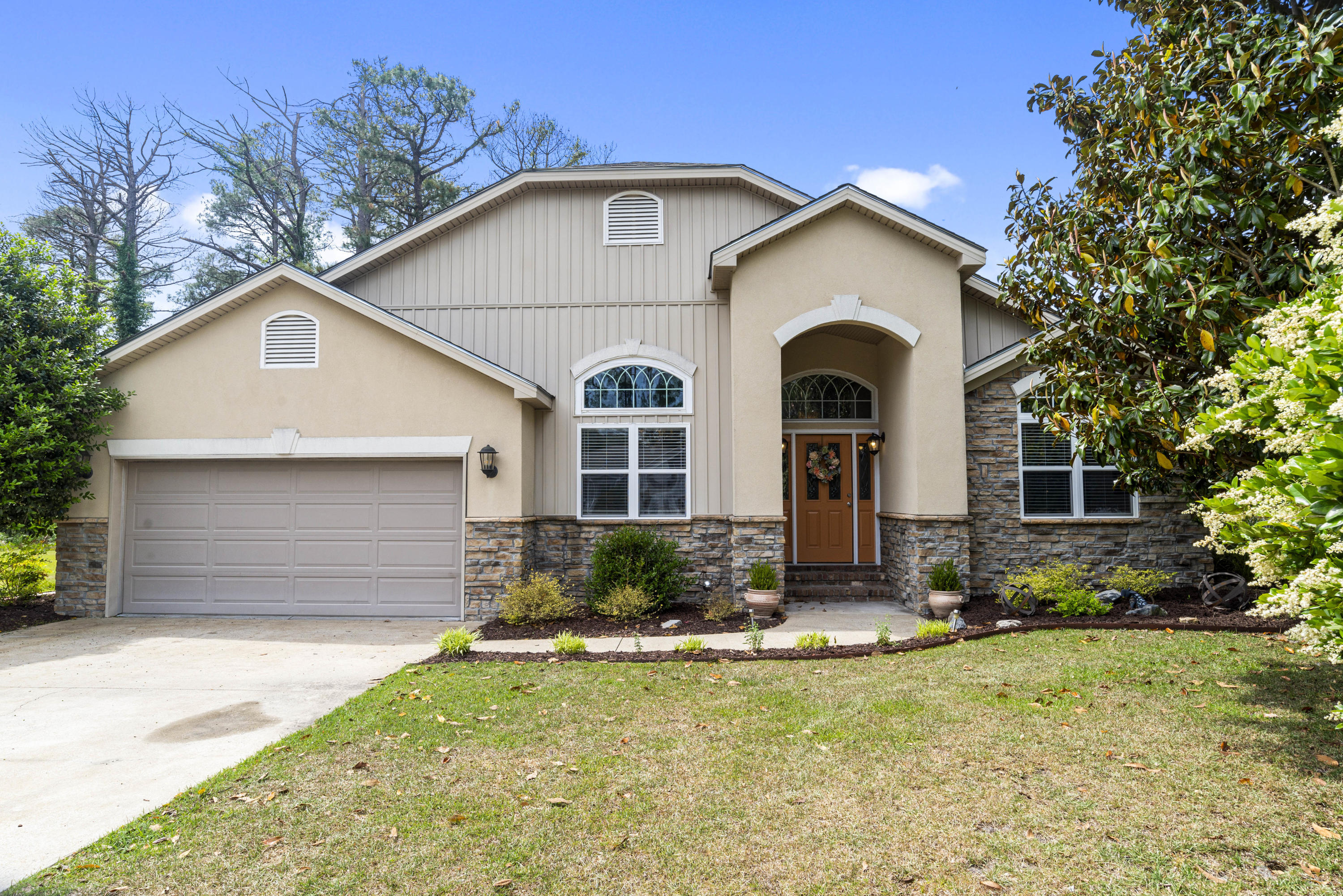 Property for sale at 1209 Caracara Drive, New Bern,  North Carolina 28560