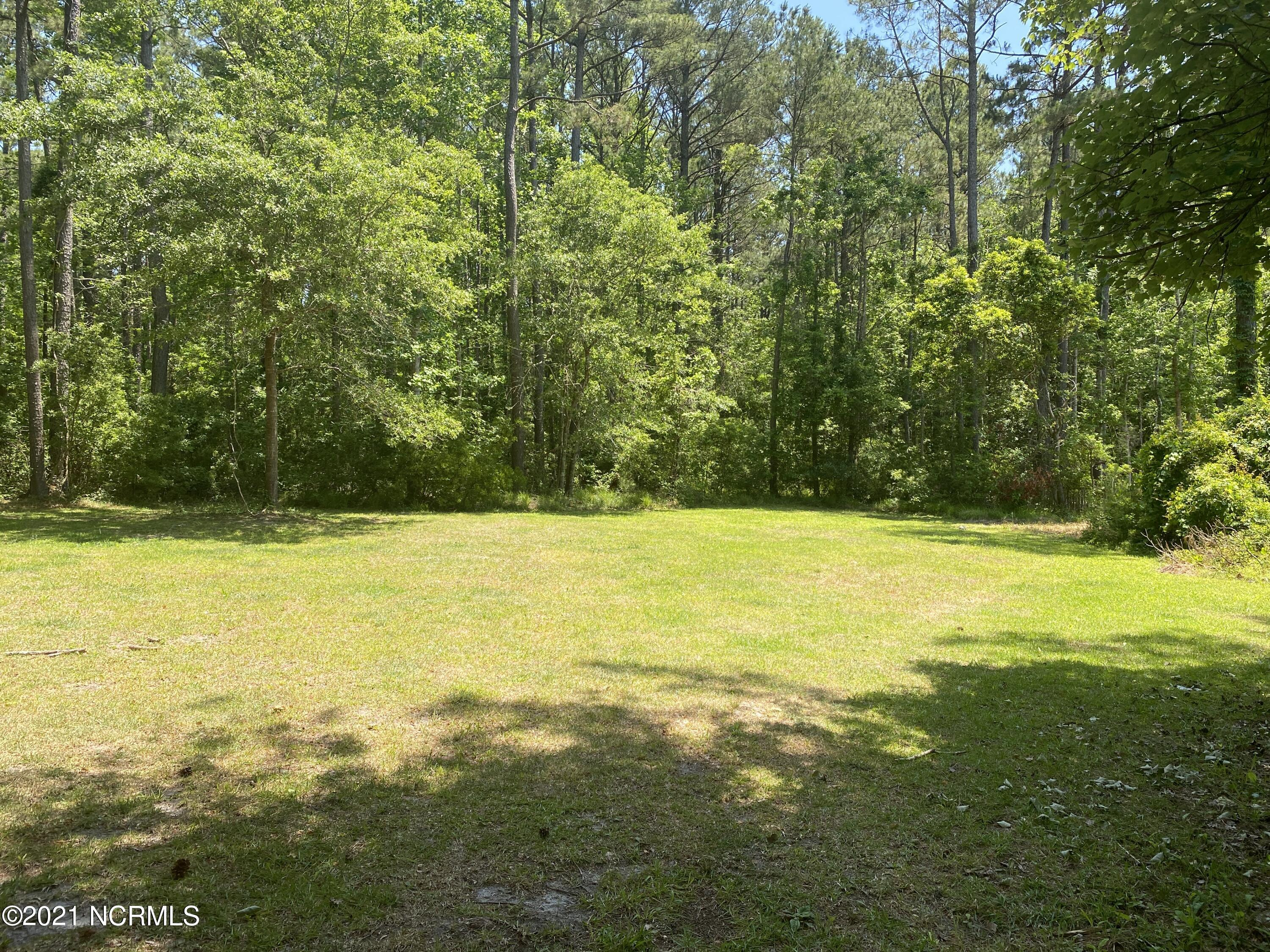 Quiet Waterfront Community Living...Are you looking a beautiful lot in Carteret County to build your dream home? Come see the beautiful community of Silver Creek located on the White Oak River. This lot is partially cleared and ready for your new build. Has a current 4-bedroom septic permit.
