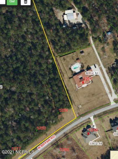 3.34 ACRES No HOA!  175' road frontage. Just outside of City Limits, Boats & RV's welcome. Wooded Lot no wetlands indicated on survey. 3 Bedroom Septic perc, this is an off site septic so you get full use of the entire 3.34 acres! Great Location