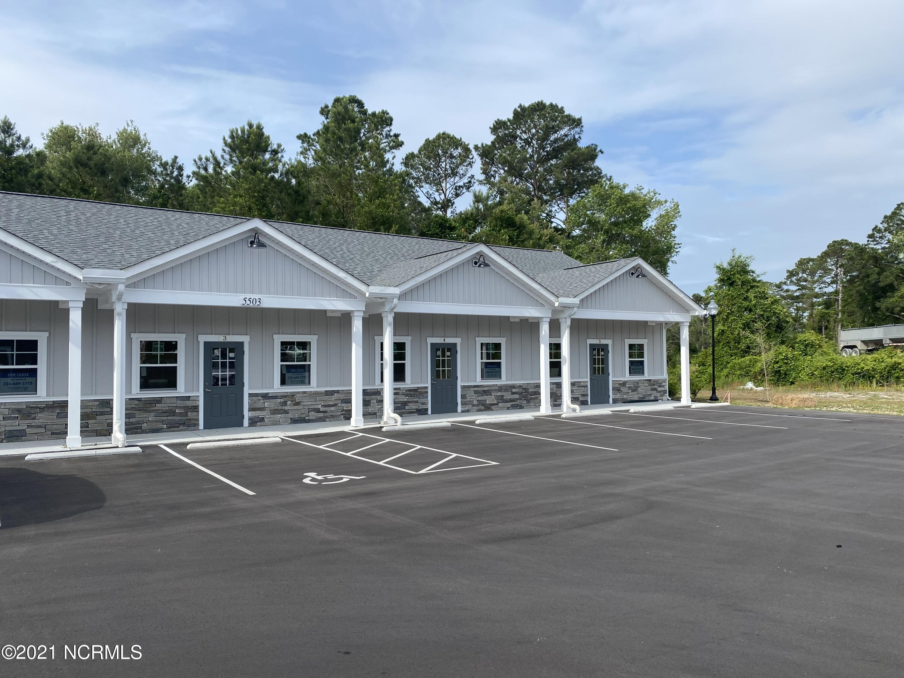 Terrific, convenient location for your small business. Fabulous space offering 733SF, with a private bath. Roughed in, for tenant to upfit to their needs. Owner will give a $10,000 upfit reimbursement after completion. 3 year initial lease term. Call listing agent for more details.