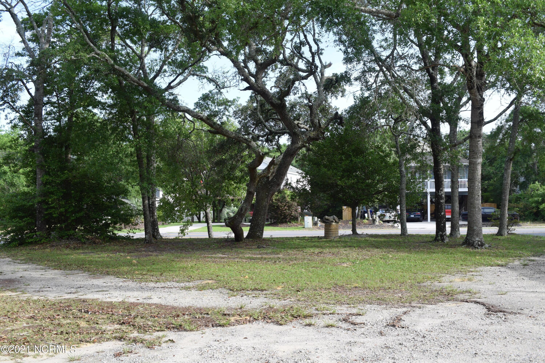 1904 E Oak Island Drive Oak Island, NC 28465