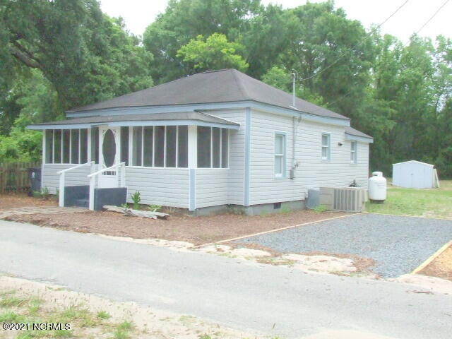 111 Hankins Drive Southport, NC 28461