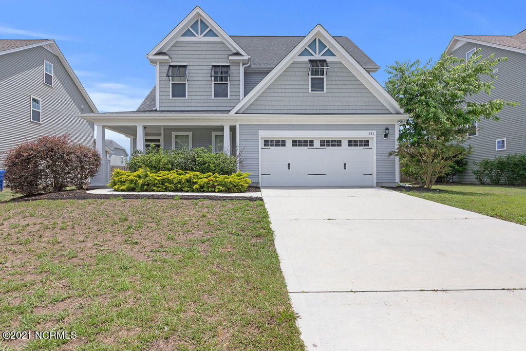Check out this beautiful home ready for its new owners! This home has multiple upgrades such as fresh paint, new flooring throughout and updated kitchen appliances.  The large fully fenced backyard is perfect for a summer night barbecue. You don't want to miss this one! Call and schedule your tour today!