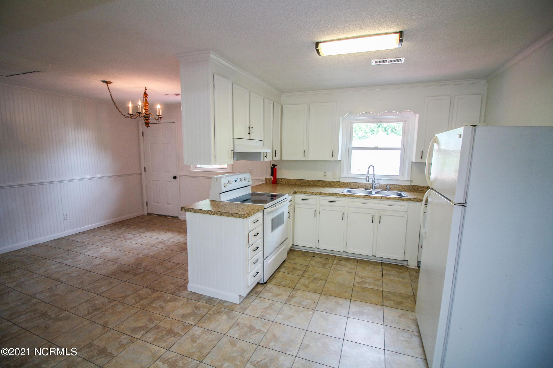 209 NE 39th Street Oak Island, NC 28465