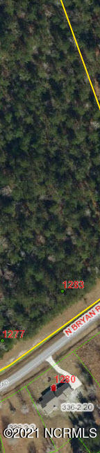 3.31 ACRES. No HOA 175'' road frontage. Just outside of the City Limits. Boats & RV's Welcome. Wooded Lot no wetlands on the survey. 4 bedroom septic perc. Off Site septic so you et full use of the entire 3.31 acres! Great Location!
