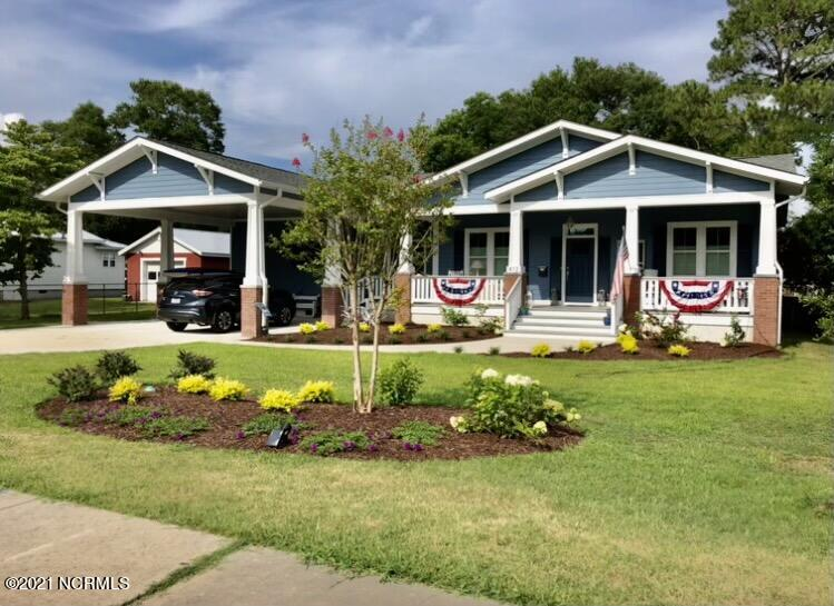 412 N Lord Street Southport, NC 28461