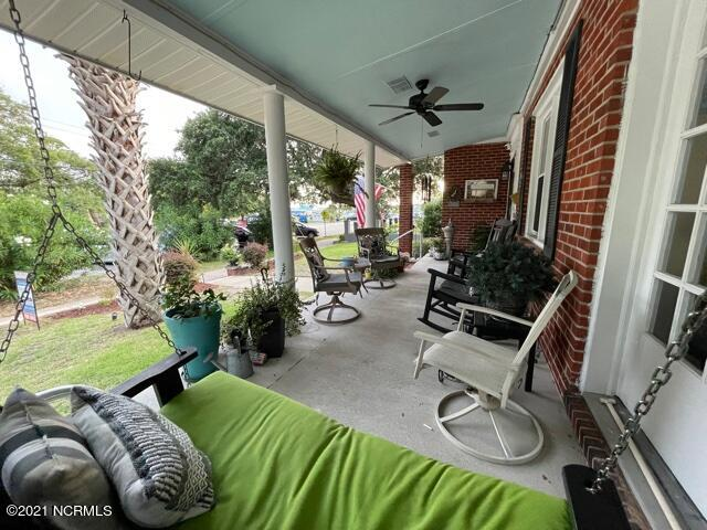210 W Moore Street Southport, NC 28461