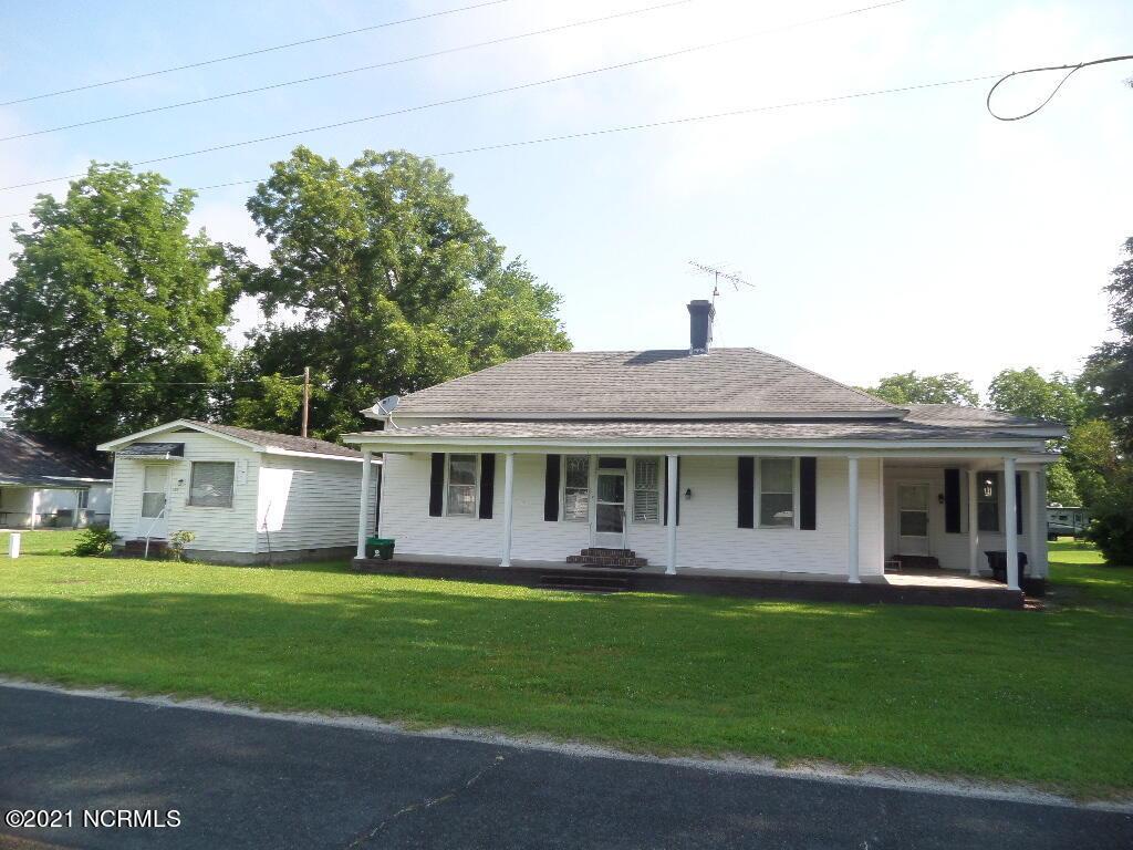 105 E Wilson Street, Dover, NC 28526