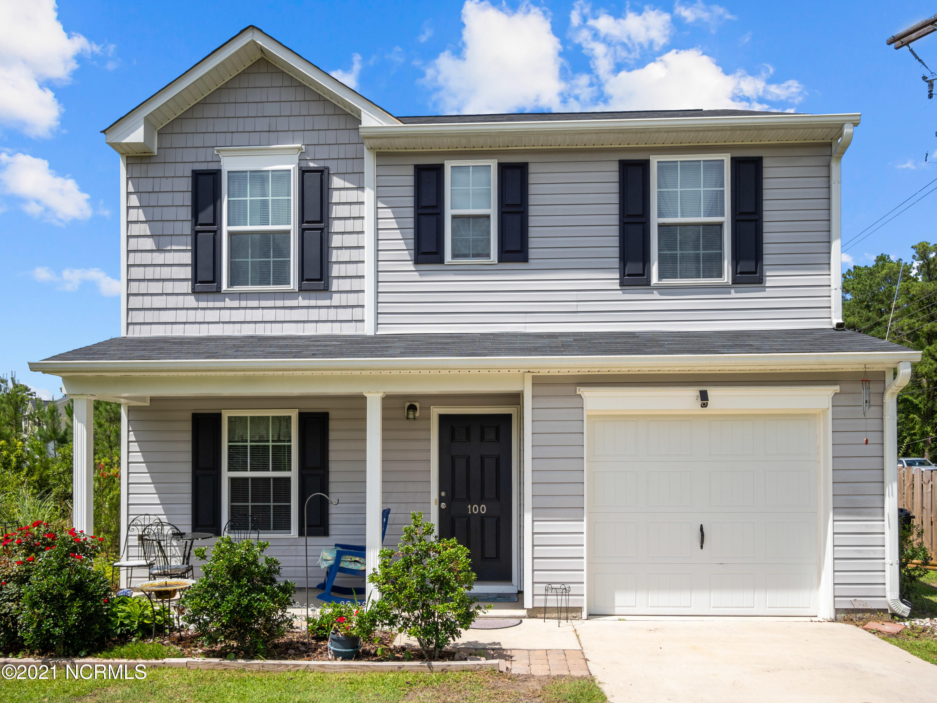 Welcome to The Reserve at Holly Ridge! This 2 story home is only 4 years old features a large .43 acre fenced in lot, a 1 car garage and is tucked back in the neighborhood with minimal through traffic. On the main level, you'll find the open living room with new LVP flooring and a ceiling fan, the kitchen with backsplash and a pantry and an adjoining dining area, the laundry room and a half bathroom.  Upstairs you'll find 3 bedrooms including the master bedroom with a walk-in closet, ceiling fan and master bath with dual vanities. There's also another full bathroom upstairs. No gas - all electric appliances! Original roof. HVAC is still under warranty, per seller. Just a short 8 minutes from Surf City, 20 mins from Camp Lejeune, and 20 minutes from Topsail Beach. The seller is offering a 1 year Americas Preferred Home Warranty for peace of mind! There is no longer an active termite bond on the property, but the property is prepped for Home Team servicing. Seller intends to take the stove.