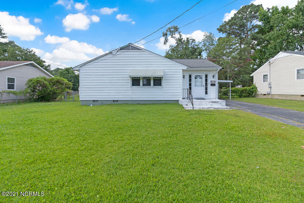 Spacious 3BR 2BA home located in Northwoods. This home has so much to offer! Beautiful tiled entryway, real hardwood floors and so much more! This home is centrally located right off Henderson Dr. making traveling around Jacksonville very convent!! Schedule your private tour today!!