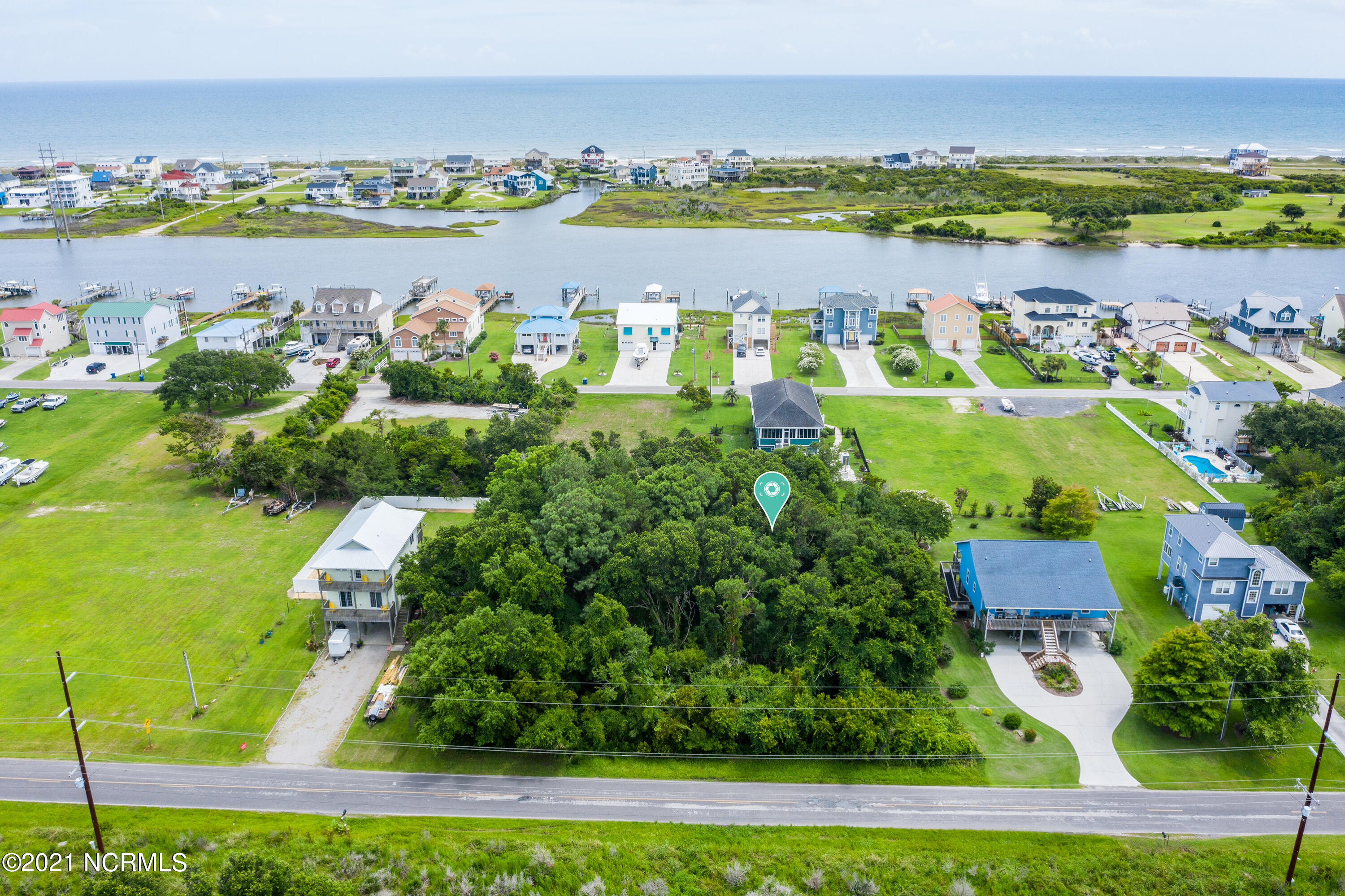 You can almost feel the ocean air as you dream of building your home with views of the intracoastal waterway. Great chance to build a home close to the beach with the convenience of the mainland.