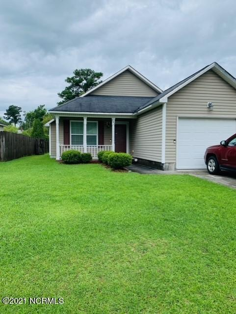 Whether you're looking for a starter home or a new rental property to add to your investment portfolio, look no further! This cozy 3 bedroom 2 bath home is ready for it's new owners. This home boasts vaulted ceilings, master walk in closet, double vanity sink in the master bath and more. Enjoy morning coffee seated at the breakfast nook and evenings sitting out on the back patio surrounded by privacy fence. Located in the heart of Maysville, create your own utopia! Schedule your personal showing today.