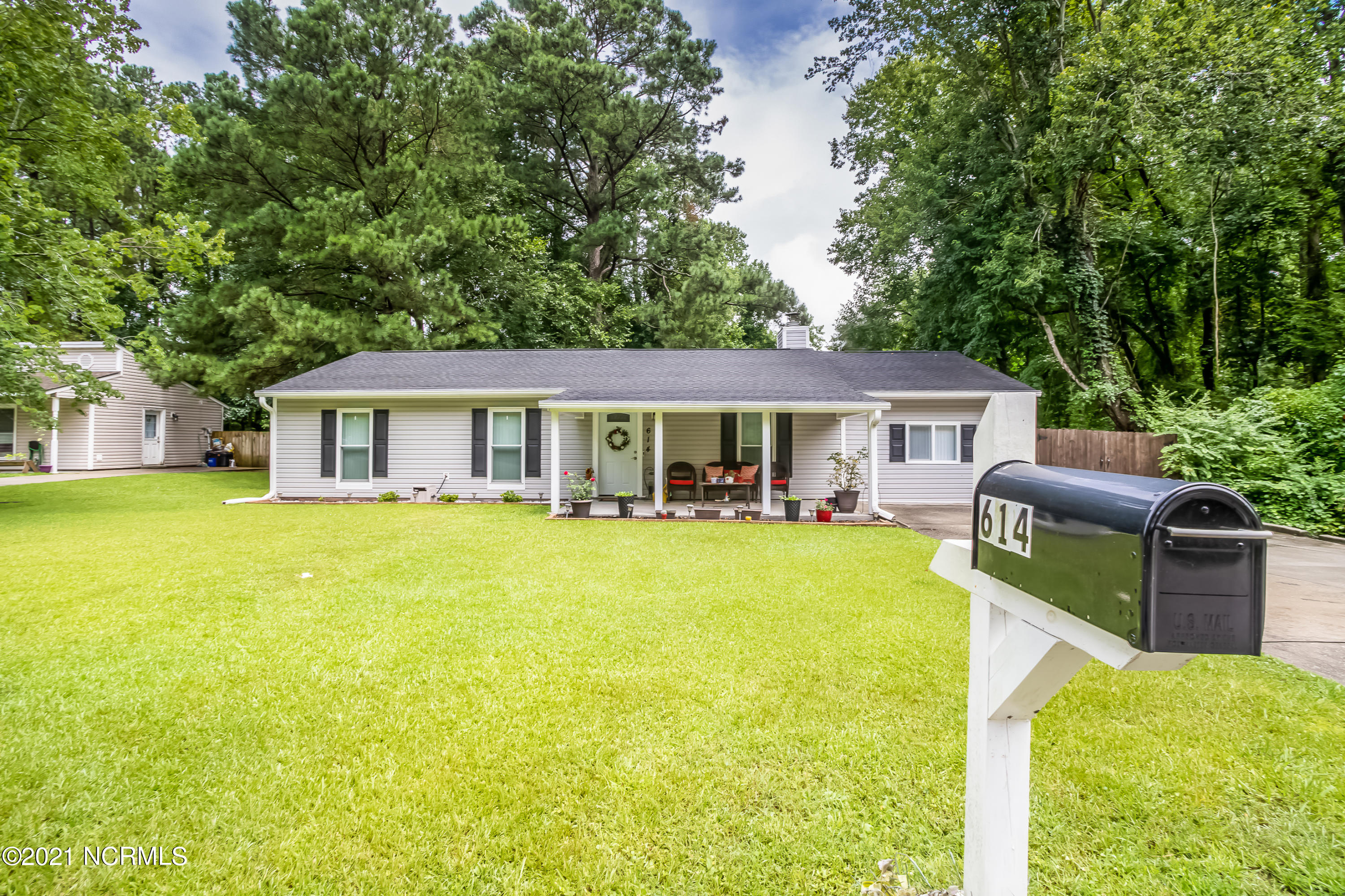 Check out this adorable home located within minutes of Camp Lejeune, mall, shopping centers and the hospital. Granite countertops, stainless steel appliances and 2 bonus rooms. Large living room with  fireplace. Fenced in back yard and a cute covered front porch .   Don't let this one slip by.