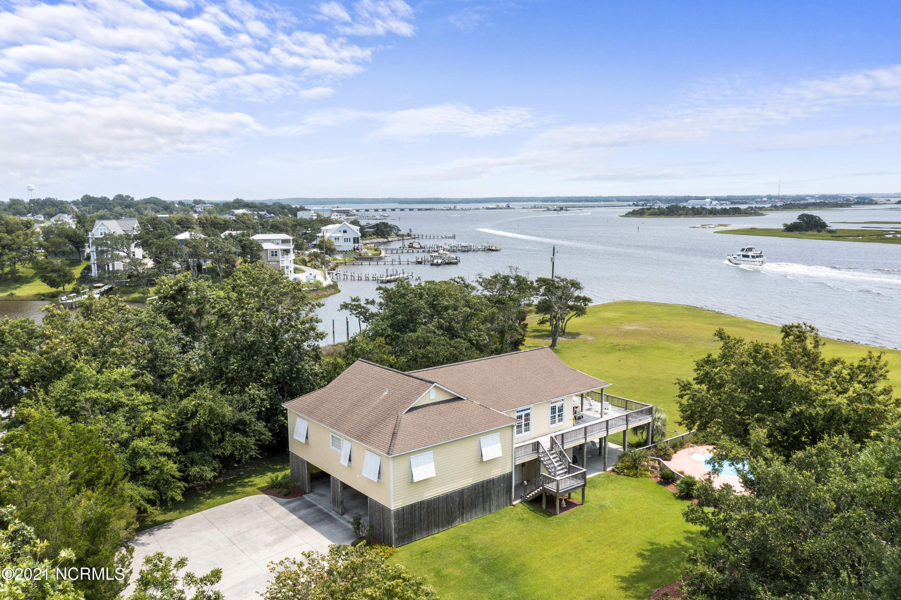 622 Barbour Point Road-58