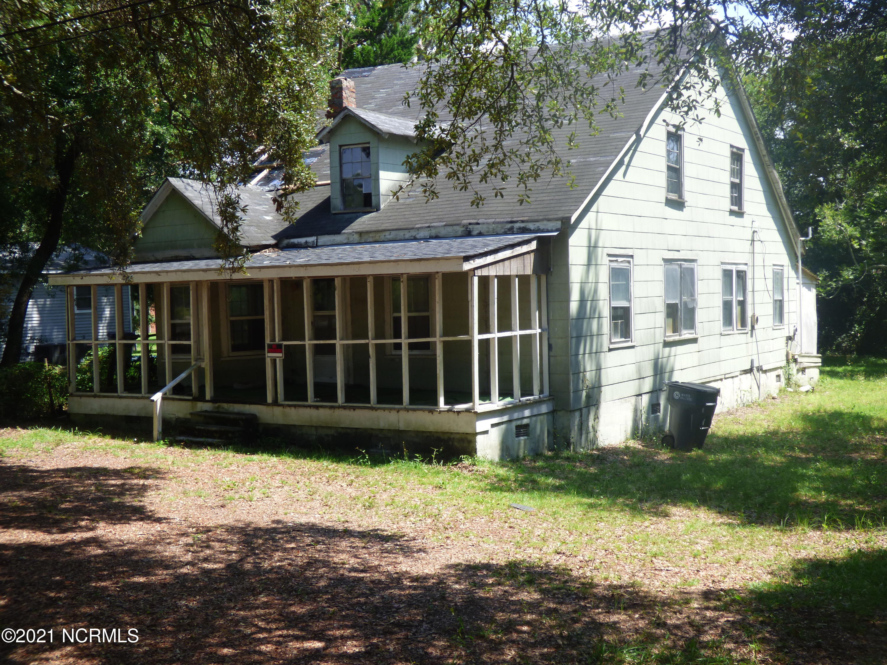 616 N Caswell Avenue Southport, NC 28461