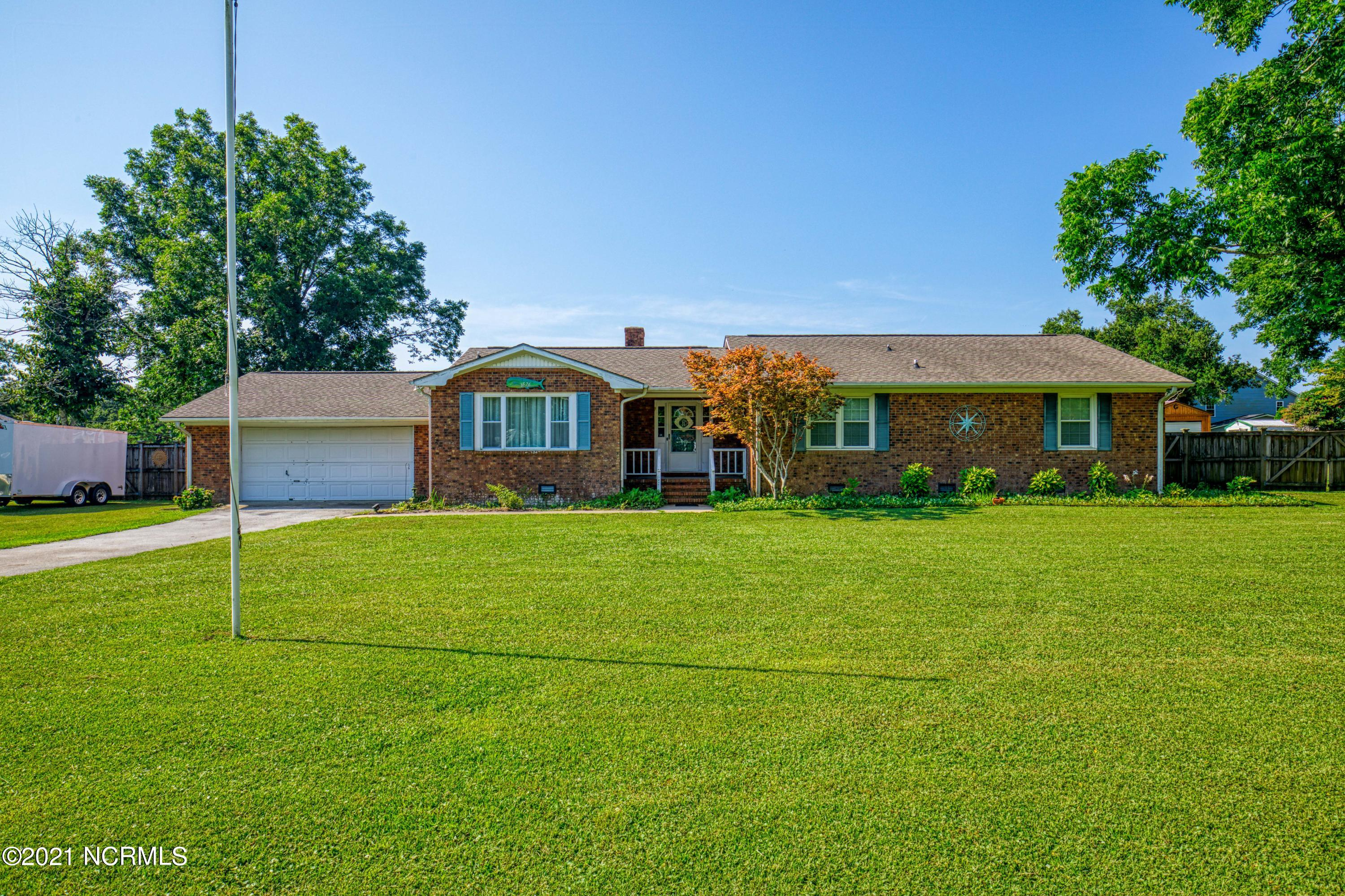 3 Bedroom 2 Bath brick ranch in the highly desirable heart of Sneads Ferry. Large lot with a fenced in backyard. Golf cart distance to New River Marina/ Boat ramp for ice cream runs in the summer or to see the local catch of the day. Minutes from the backgate and Stone Bay. With a little TLC this could be your forever home.