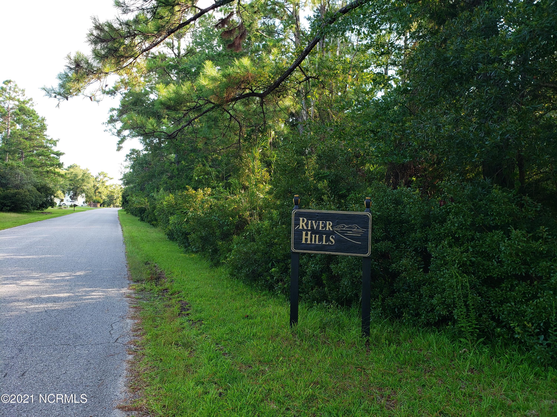 3090  River Hills Drive SW