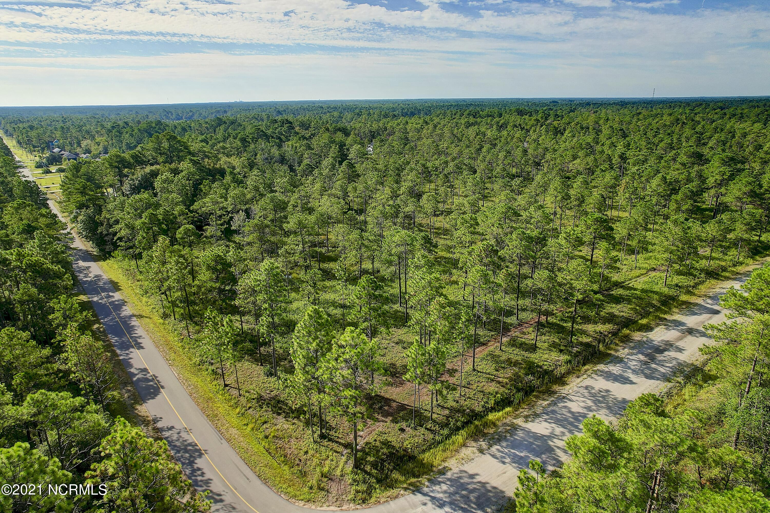 571 Pine Road Southport, NC 28461