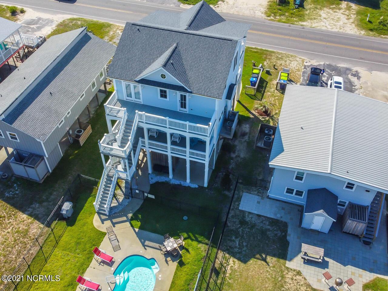 2518 W Beach Drive Oak Island, NC 28465