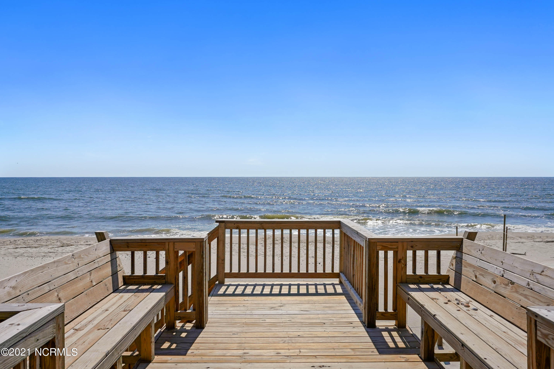 5107 W Beach Drive Oak Island, NC 28465