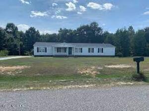 498 Serenity Lake Drive, Clinton, NC 28328