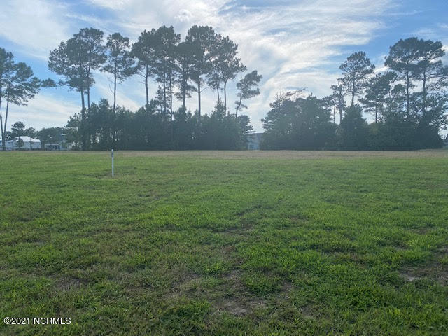 Beautiful building lot with lake views in the gated community of Summerhouse!  World class amenities and close to the beach!  Come build your dream house!  Builder recommendations provided upon request.