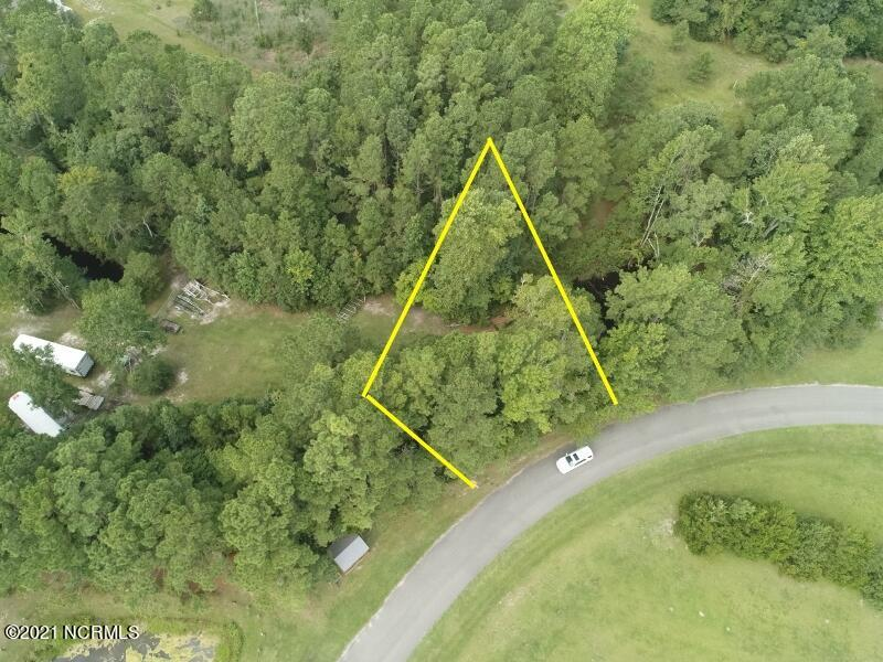 Are you looking almost an half acre lot to builder your house that is close to MCB Stone Bay MARSOC, MCB Camp LeJeune Courthouse Bay, the beach, elementary school and about halfway between Jacksonville and Wilmington then you need to check out this lot!