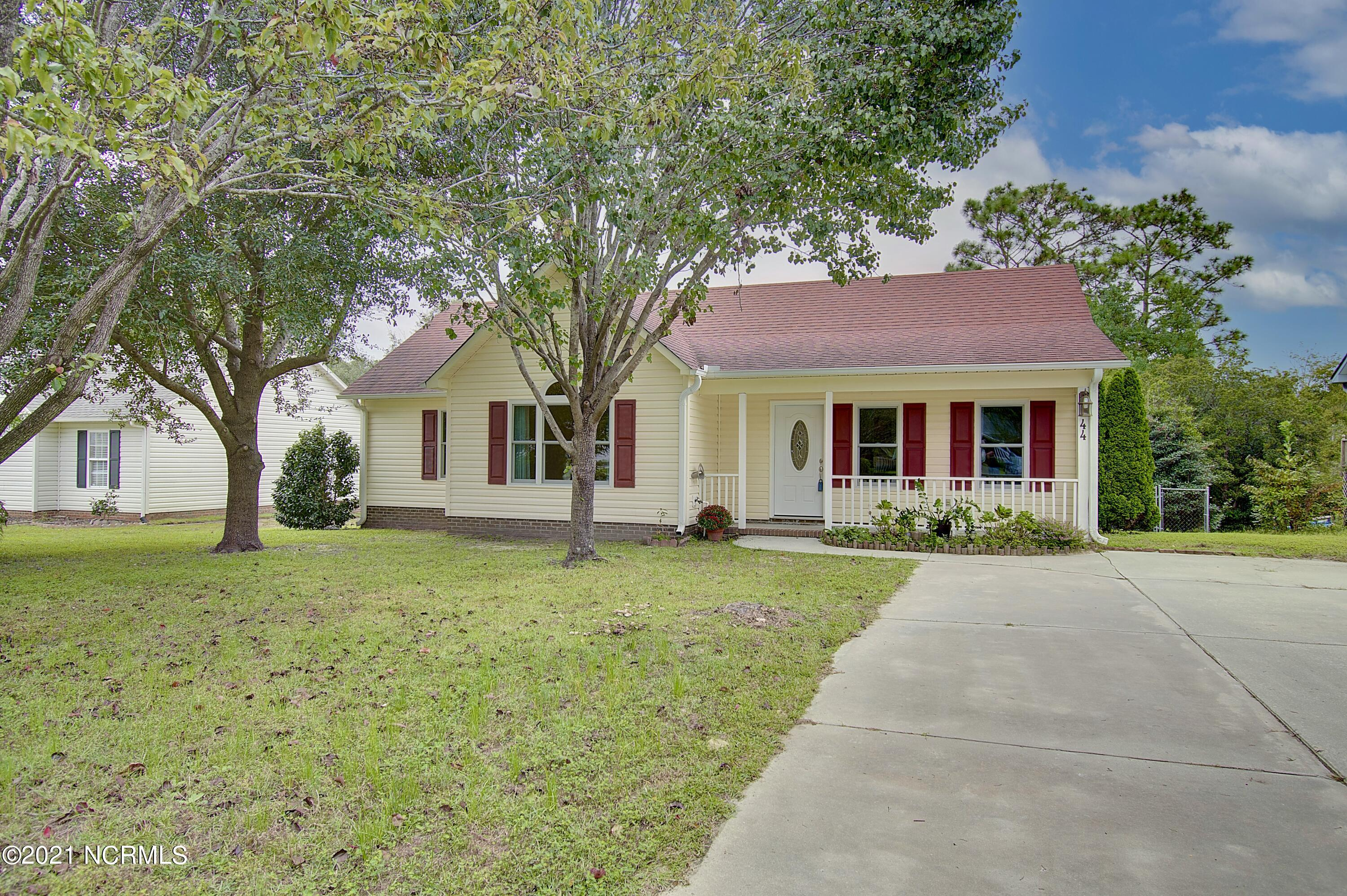 44 Crystal Road Southport, NC 28461