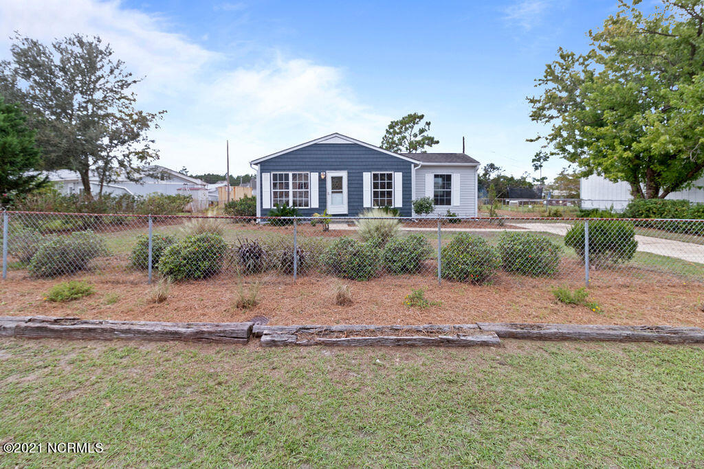 Welcome Home!  This single story 3 bedroom 1 bathroom home in Hubert is priced to sell!  Located conveniently minutes to Camp Lejeune, Jacksonville, Swansboro, and the local beaches.  Walking in to the open concept kitchen and dining room are great for entertaining with a patio located directly off the back dining area.  The entire property is fenced and there is a large shed in the back yard. Schedule your showing today!