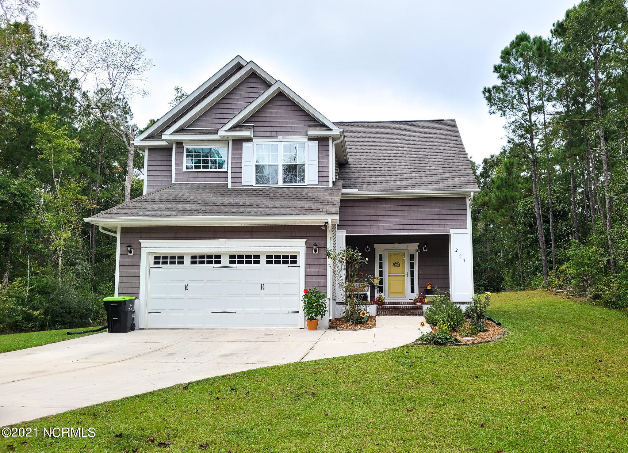 Welcome to White Oak Bluff, a tranquil, waterfront subdivision that includes a boat ramp, day dock, and picnic/swimming area in the Croatan & White Oak School Districts! It's also home to this NEWER GORGEOUS 3 bedroom, 2.5 bath home situated on a private lot surrounded by trees. Built in 2016 this home boosts an open floor plan downstairs with a 2nd living area or bonus room upstairs. The kitchen has stainless steel appliances, granite counter tops and lots of natural light. Enjoy your morning coffee on the screened back porch while listening to the birds. You CANNOT let this one get away!
