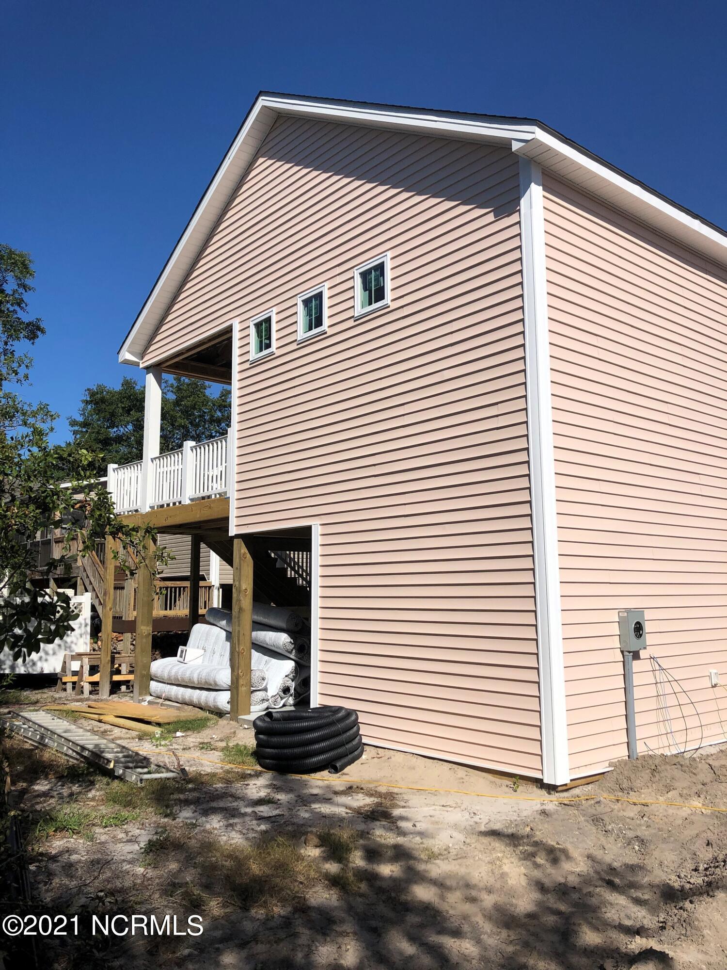 133 NE 17th Street Oak Island, NC 28465