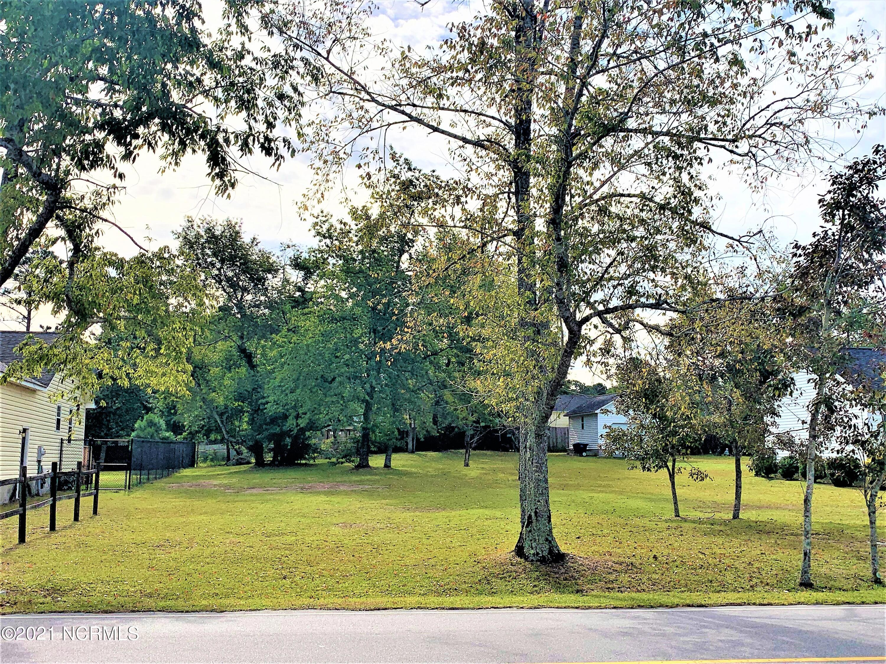 Here's the perfect opportunity to build your dream home on a .35 acre cleared lot. The lot is part of the Wood Creek Estates subdivision and comes with no HOA and no city taxes! Close to the bases, beaches, and the historic town of Swansboro. Come see it anytime!