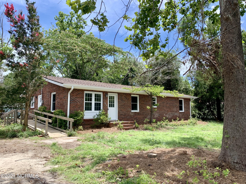 5521 Pine Glen Street Southport, NC 28461