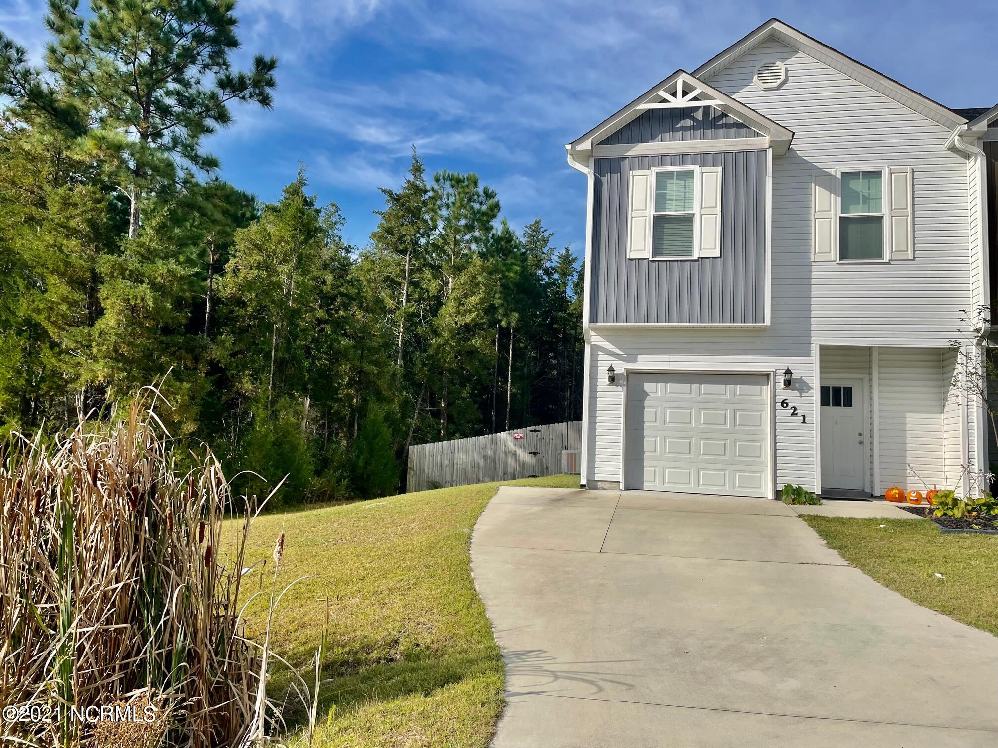 Welcome to The Landing at Folkstone! This highly sought after community is located near MCAS, Stone Bay, Topsail Island, local restaurants, entertainment and more! Fenced back yard and outdoor shower. The Rachael floor plan comes complete with 3 bedrooms located on the second floor, 2 1/2 baths, a beautiful eat in kitchen and a one car garage. These particular units are a perfect starter home or rental investment.