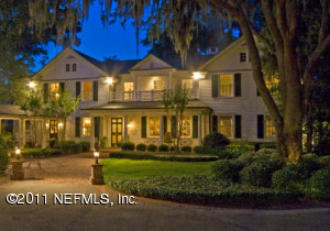 Nestled among age-old oaks on the beautiful St. Johns River overlooking the downtown skyline.
