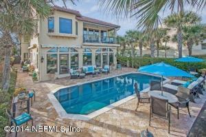 2093 Beach AVE, ATLANTIC BEACH, FL 32233