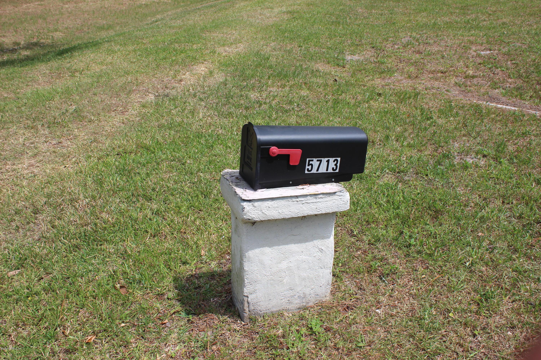 5713 Moncrief Rd