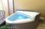 1.5 y/o Hot Tub Spa Conveys with Sale