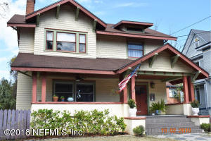 Craftsman Home in the Heart of Riverside!