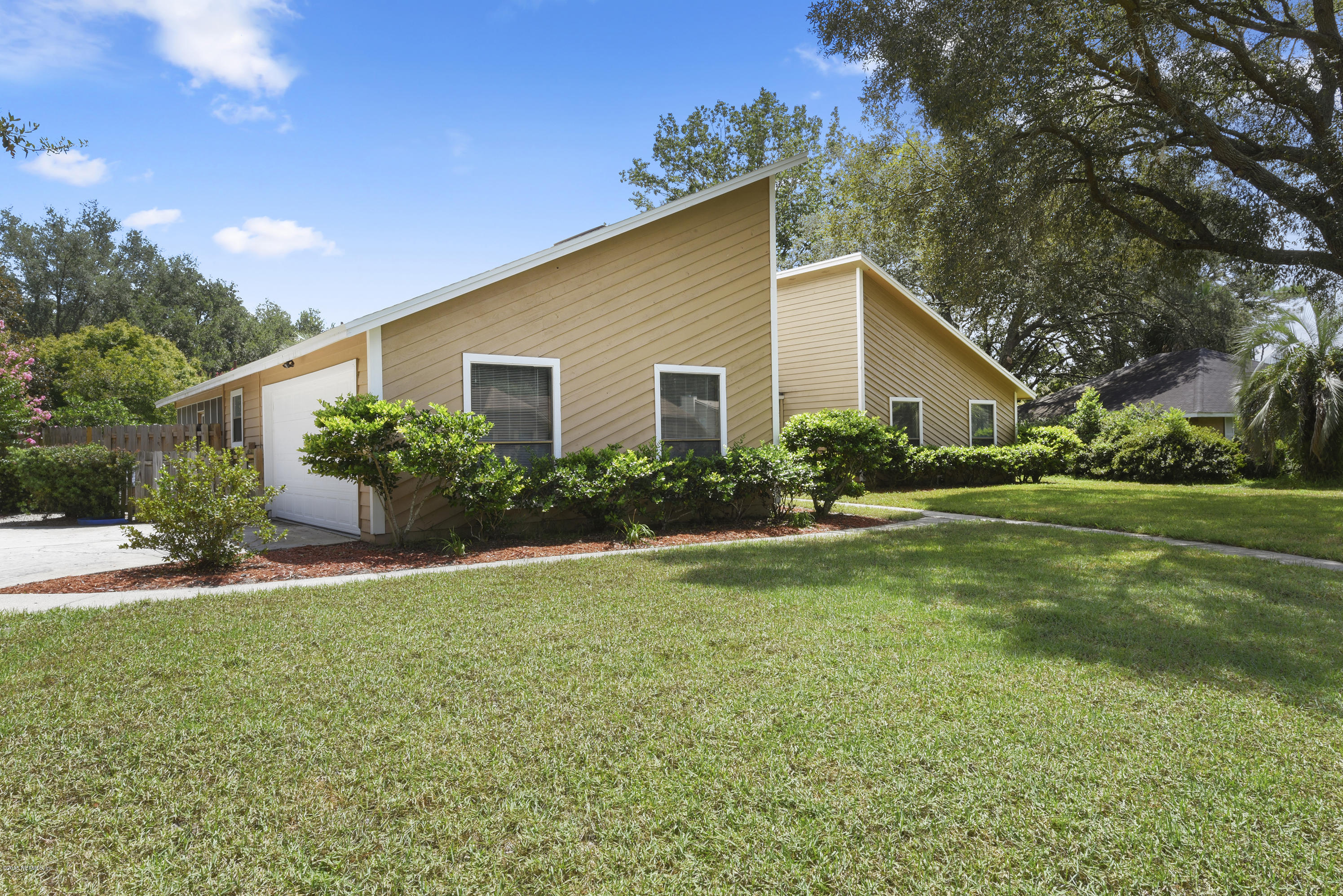 301 GLENEAGLES, ORANGE PARK, FLORIDA 32073, 3 Bedrooms Bedrooms, ,2 BathroomsBathrooms,Residential - single family,For sale,GLENEAGLES,953211