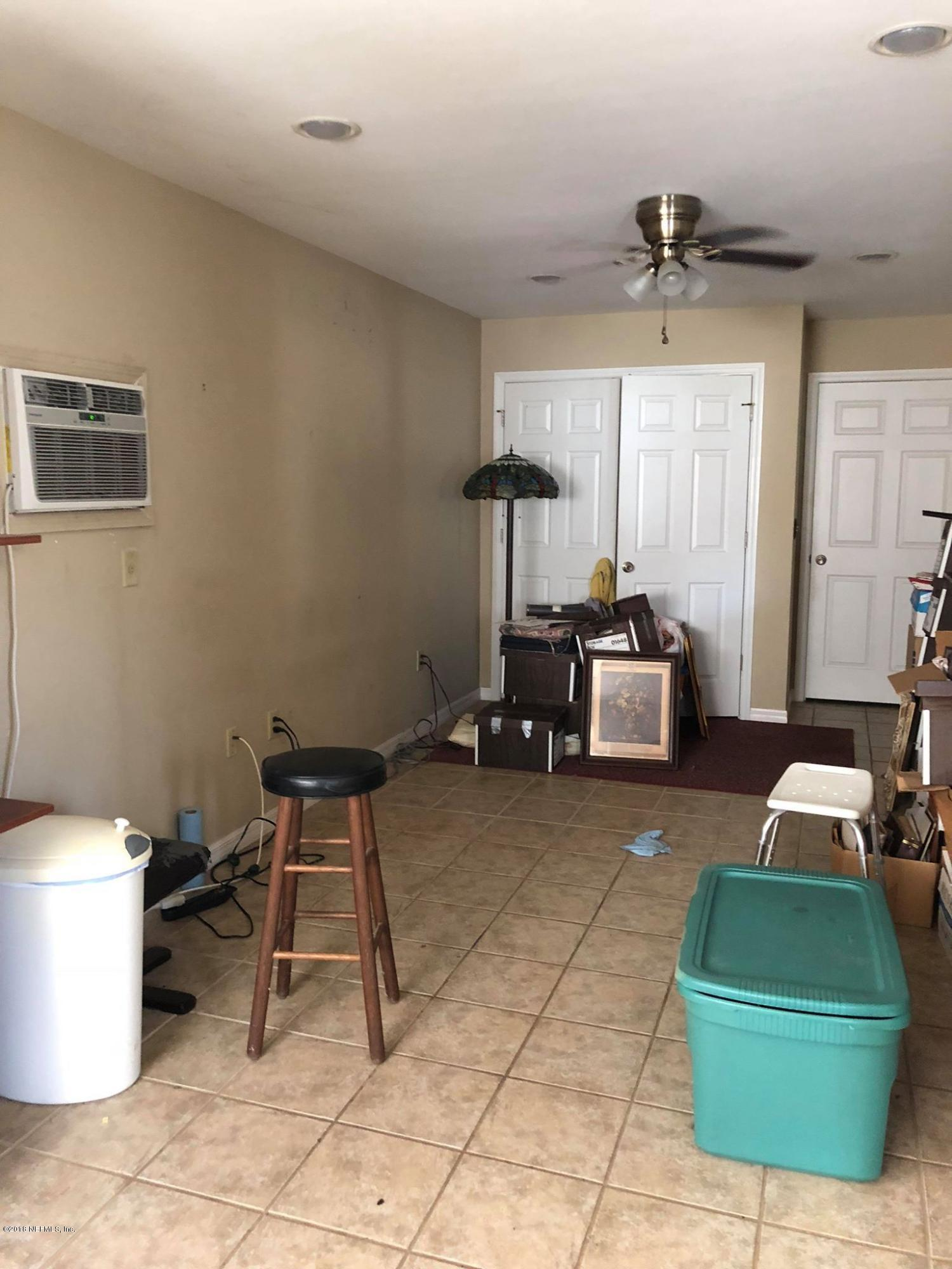 115 CHALLENGER, LAKE CITY, FLORIDA 32025, 1 Bedroom Bedrooms, ,1 BathroomBathrooms,Residential - single family,For sale,CHALLENGER,959386