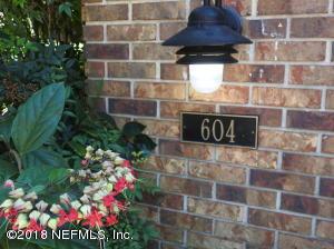 604 WELLS LANDING DR, ORANGE PARK, FL 32073