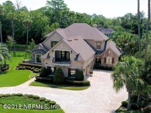 Magnificent curb appeal for this stately home.