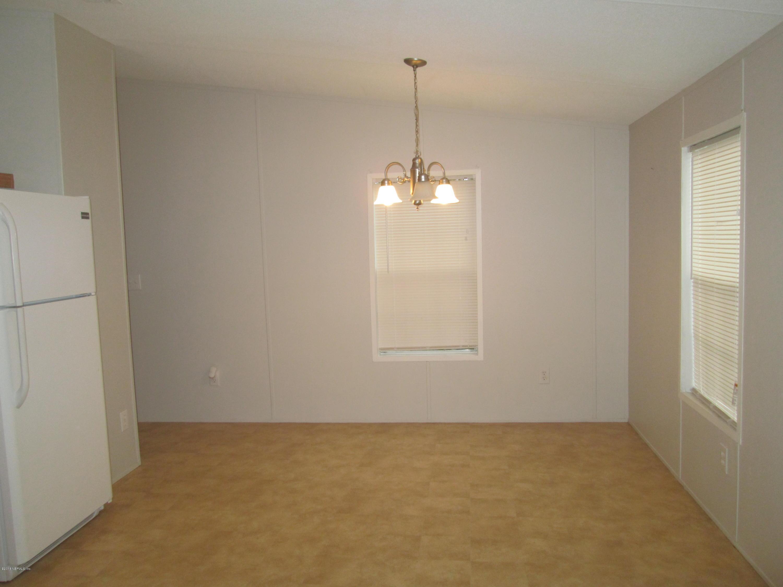 325 LAKE COMO, POMONA PARK, FLORIDA 32181, 3 Bedrooms Bedrooms, ,2 BathroomsBathrooms,Residential - mobile home,For sale,LAKE COMO,965432
