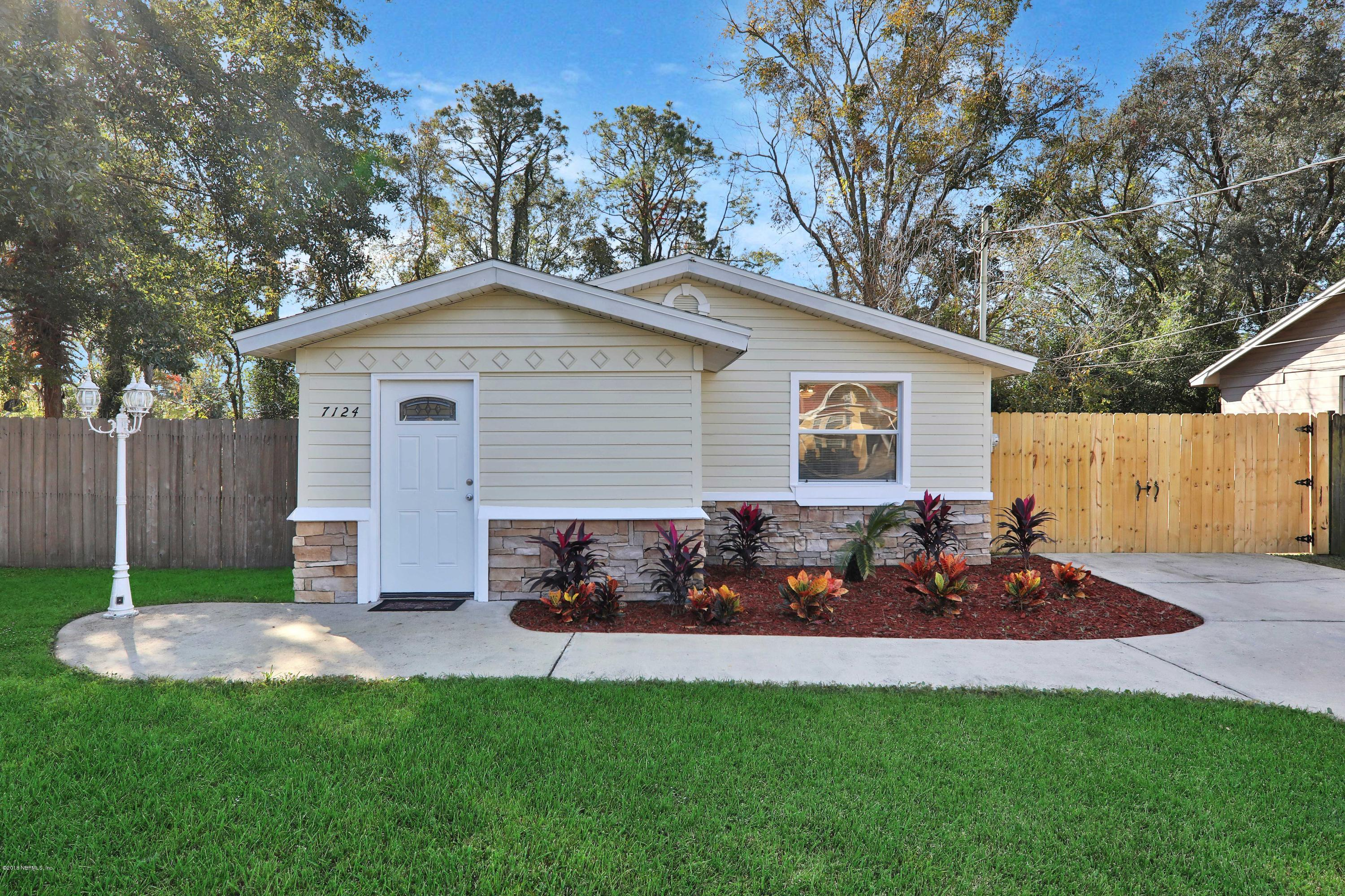 7124 ESTHER, JACKSONVILLE, FLORIDA 32210, 3 Bedrooms Bedrooms, ,1 BathroomBathrooms,Residential - single family,For sale,ESTHER,970063