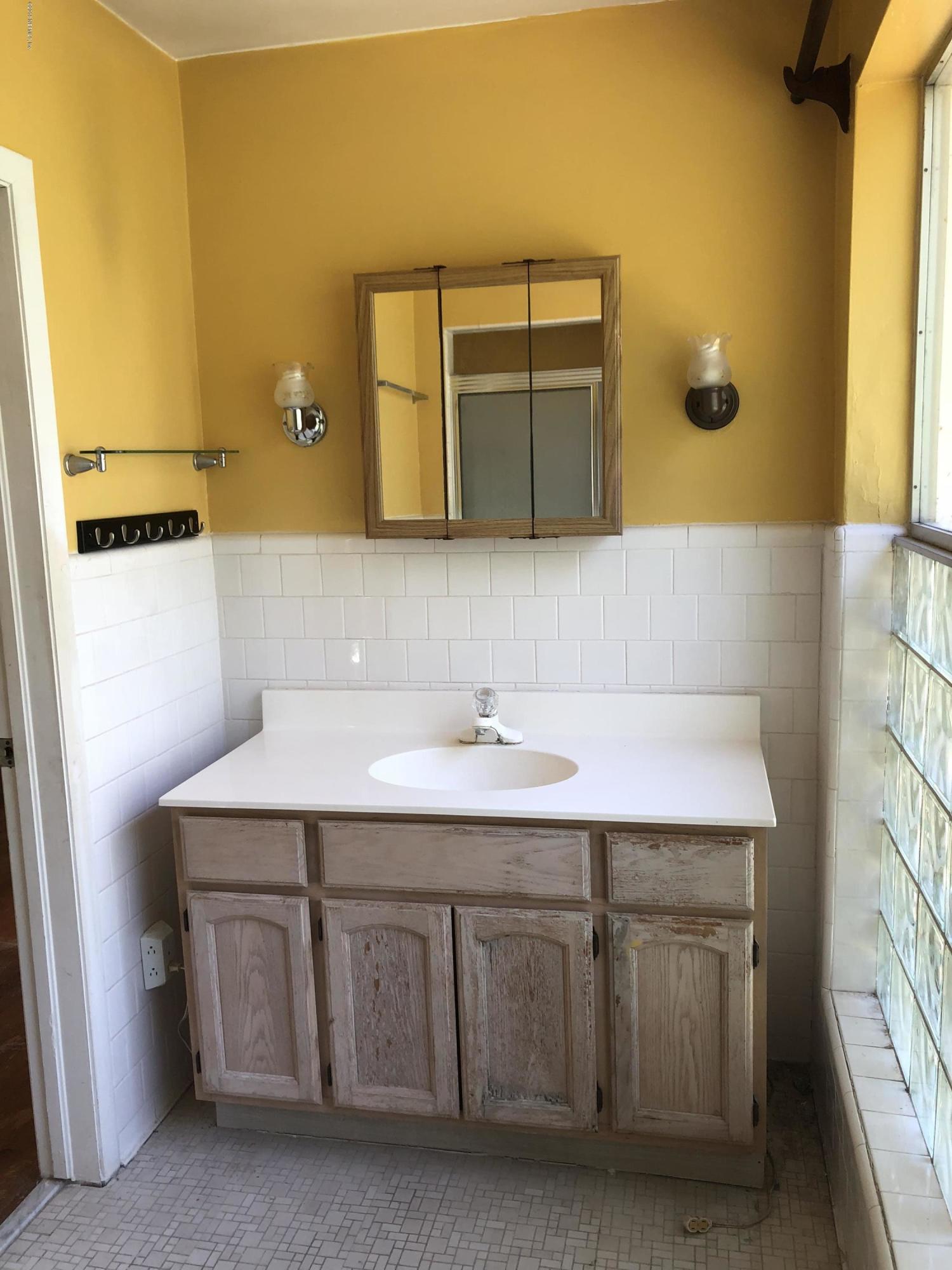 6125 DUKE, JACKSONVILLE, FLORIDA 32217, 3 Bedrooms Bedrooms, ,2 BathroomsBathrooms,Residential - single family,For sale,DUKE,979003