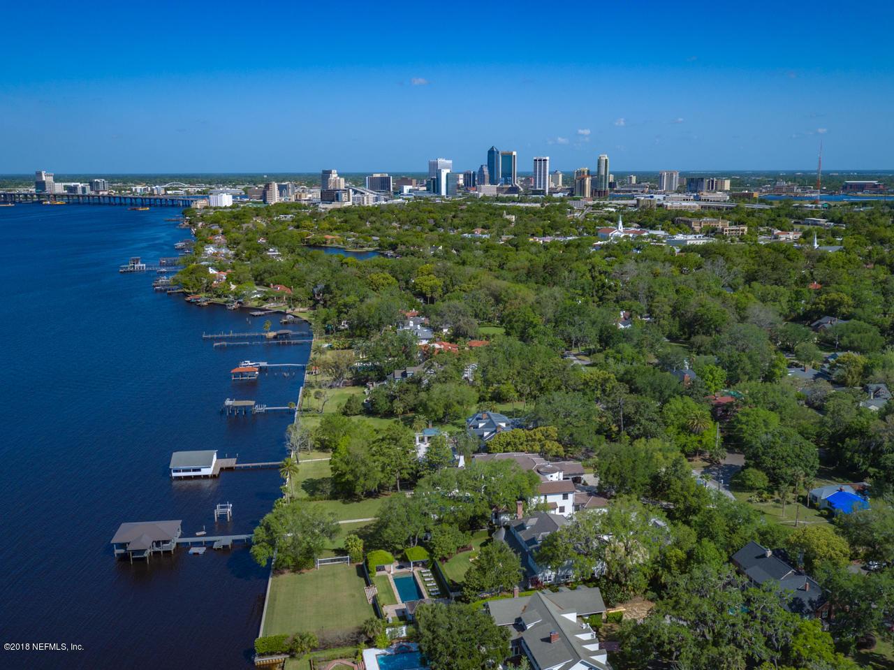 2626 River Rd Jacksonville, FL 32207